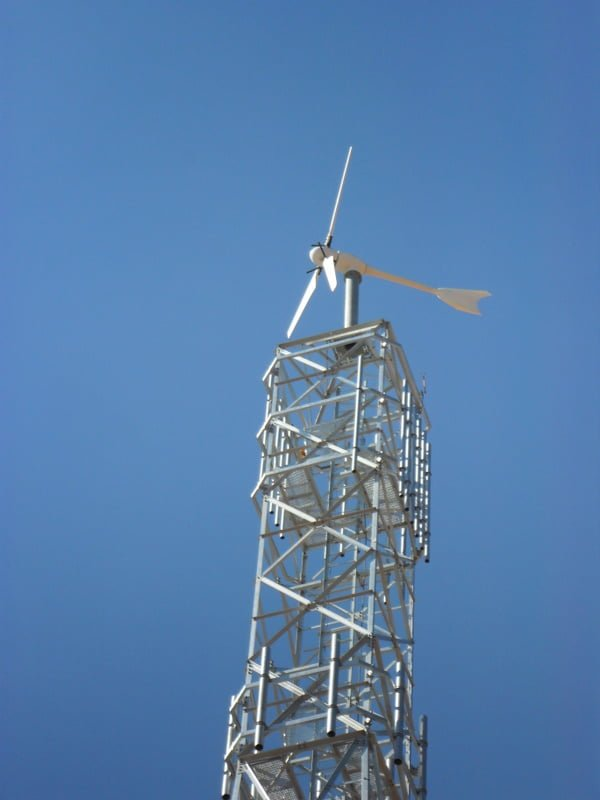 Small wind turbine telecoms